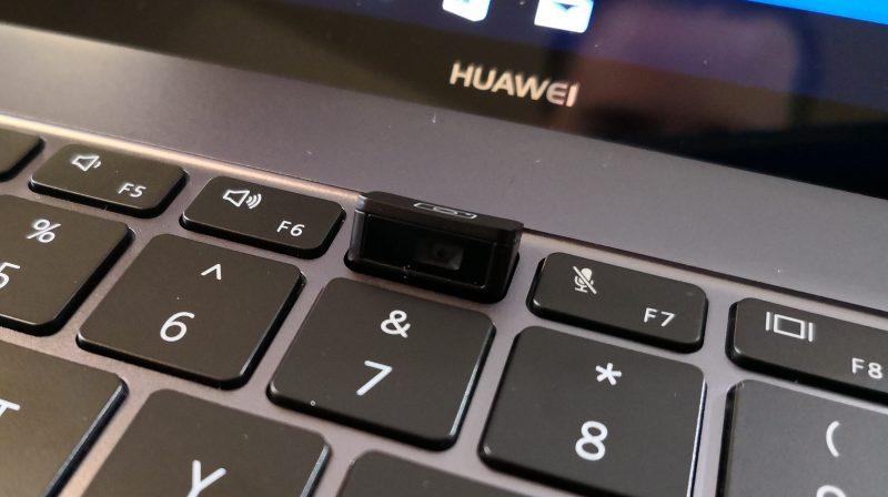MateBook X Pron kamera nousee näppäimestä.