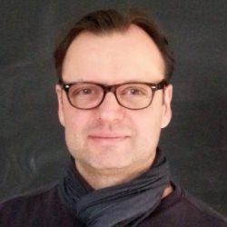 Certum Phonen takana olevan Zero Receptionin toimitusjohtaja Janne Knuutinen.