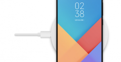 Tältä Xiaomi Mi MIX 2S voi näyttää. Kuva puhelimen vuotaneesta ohjelmistosta.