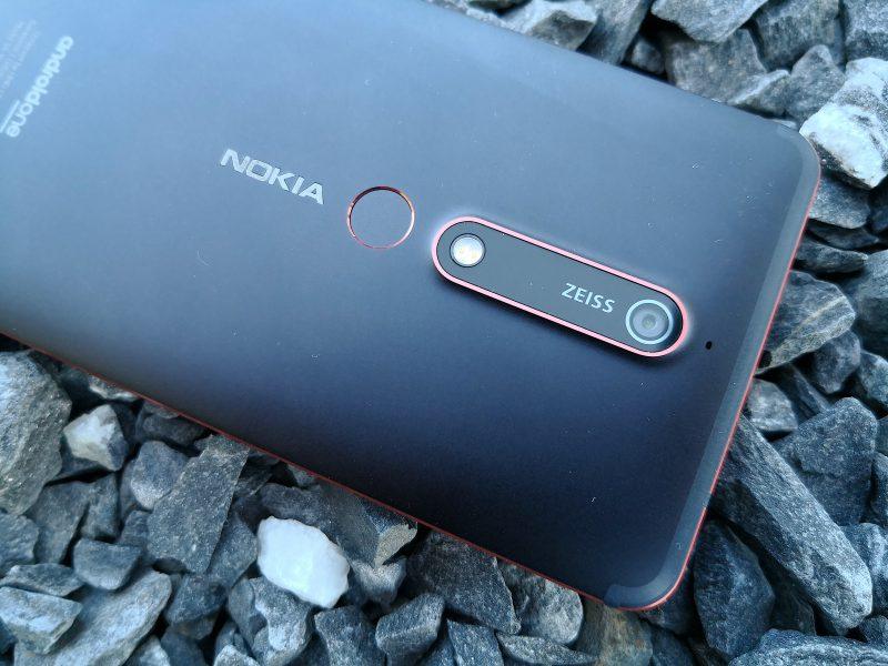 Nokia 6:n kamera-alue on laaja, mutta sisältää vain yhden kameran.