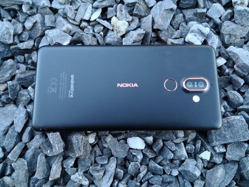 Nokia 7 Plussassa alumiini on pinnoitettu poikkeavalla tavalla.