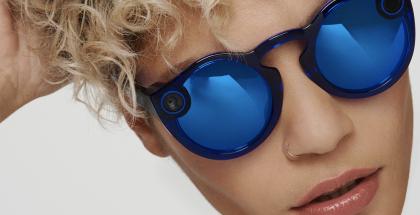 Toisen sukupolven Spectacles-lasit ovat aiempaa sirommat. Kameroita laseissa on edelleen vain yksi.