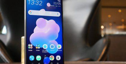 HTC:n toistaiseksi viimeisin huippupuhelinmalli U12+.