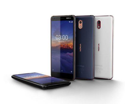 Nokia 3.1:n värivaihtoehtoja.