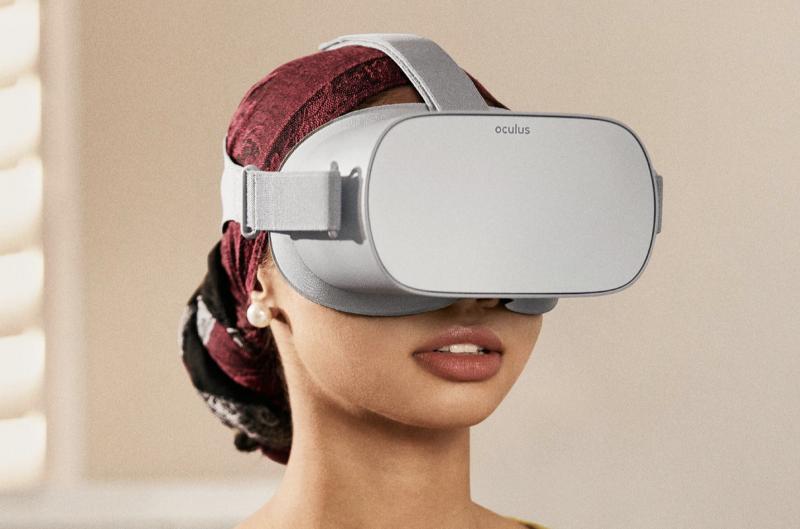 Oculus Go on itsenäisesti toimiva laite, jota ei tarvitse kytkeä kaapelilla tietokoneeseen tai puhelinta päähineen sisään.