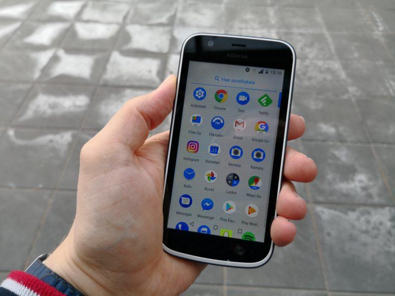 Android Gon erikoisuus ovat Googlen kevennetyt Go-sovellusversiot. Sovellusvalikossa on bugin vuoksi Kamera-vakiosovellus kaksi kertaa.