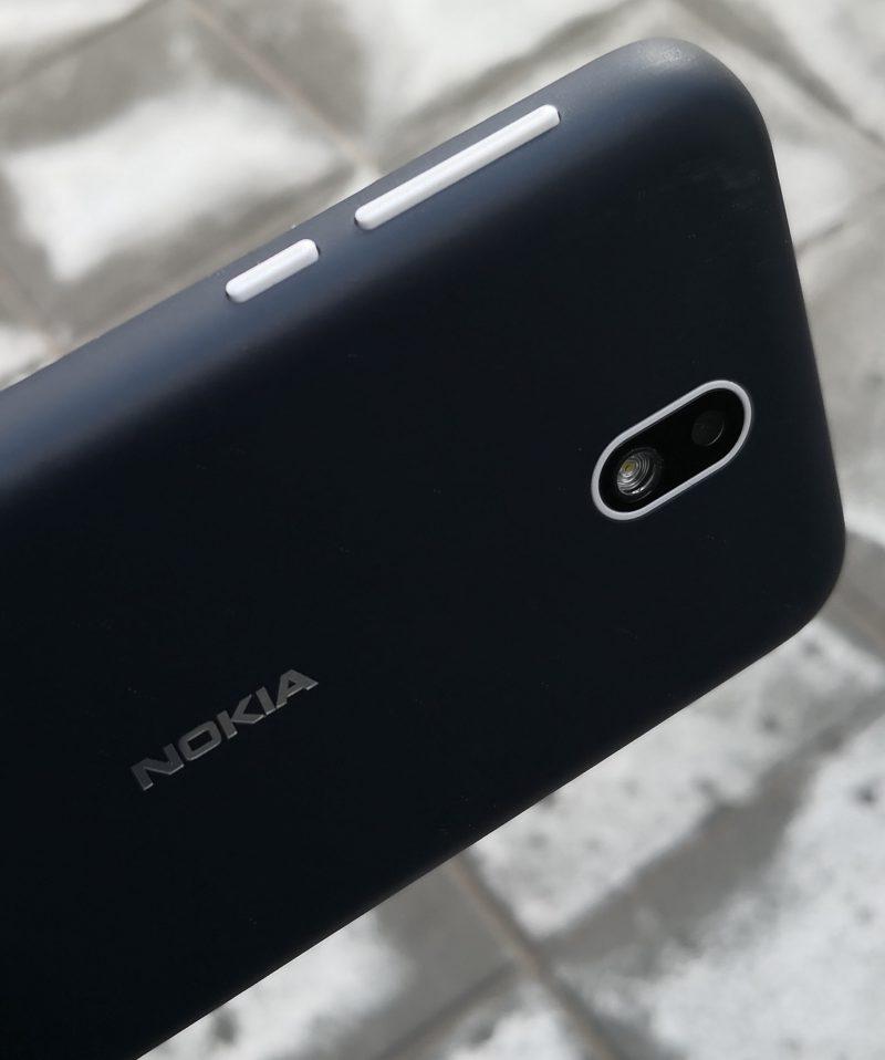 Nokia 1:n sivupainikkeiden tuntuma on hyvä.