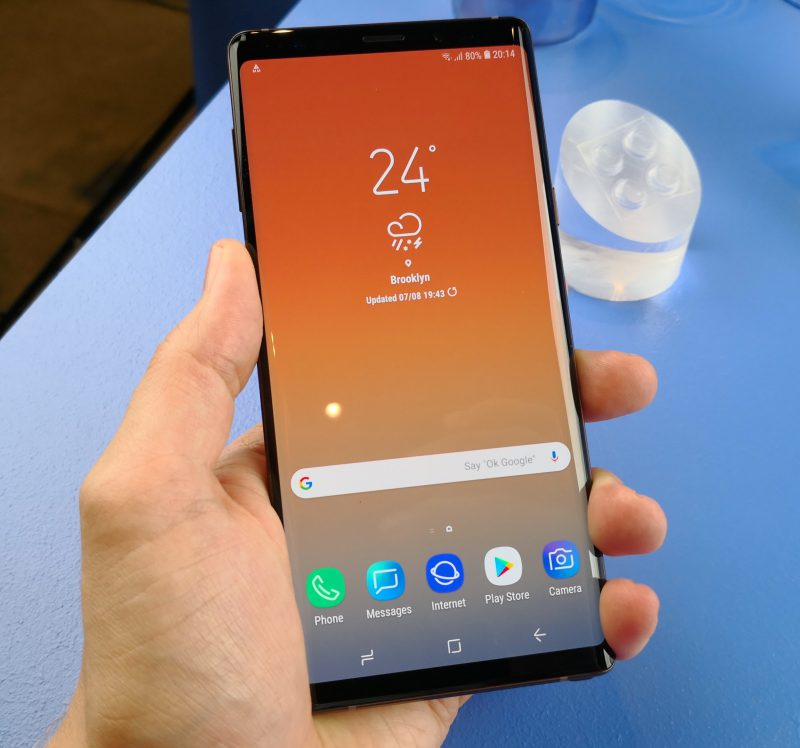 Samsung Galaxy Note9:ssä on 6,4 tuuman näyttö.