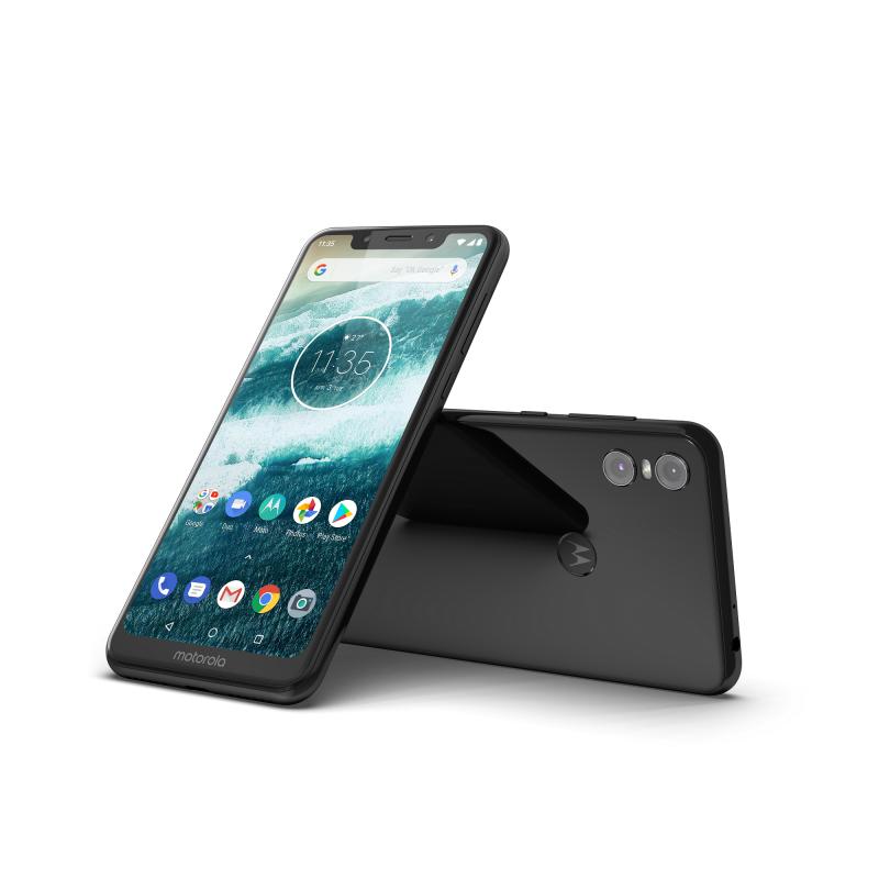 Motorola One.