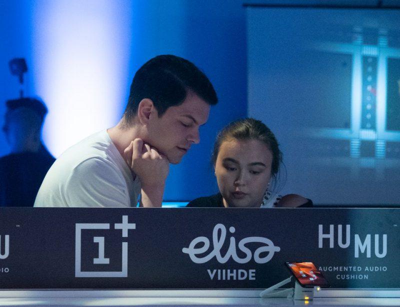 Elisa ja OnePlus järjestävät mobiilipelikiertueen. Kuva: Sakari Volanen.