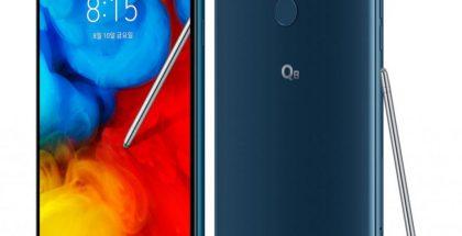 LG Q8 (2018) tukee stylus-kosketuskynää. Kuvassa näkyvän Moroccan Bluen lisäksi toinen värivaihtoehto on musta Aurora Black.