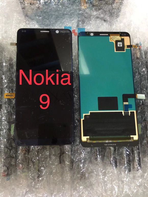 Väitetty Nokia 9:n etupaneeli.