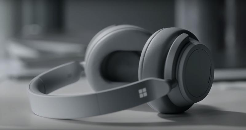 Microsoft yllätti Surface Headphones -kuulokkeilla.