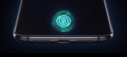 Sormenjälkilukija löytyy OnePlus 6T:stä osana näyttöä.
