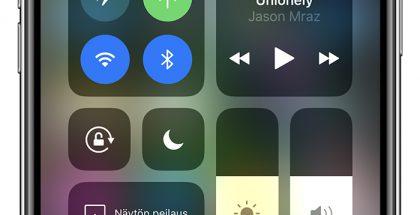 iPhone kertoo molempien SIM-korttien liittymien kuuluvuudesta. Uusiin iPhone-malleihin saa käyttöön digitaalisen eSIMin tavallisen fyysisen SIM-kortin rinnalle.