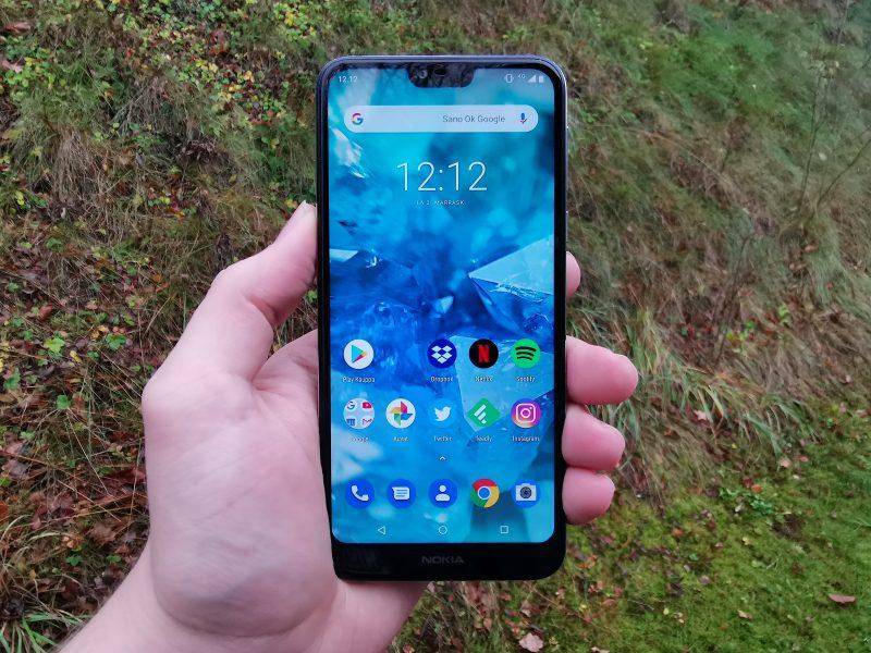 Nokia 7.1:ssä on 5,84 tuuman näyttö lovella yläreunassa.