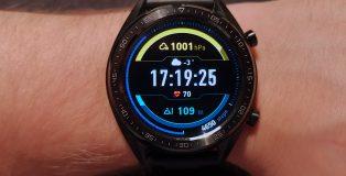Yksi yhdestätoista Huawei Watch GT:n kellotauluvaihtoehdostra.