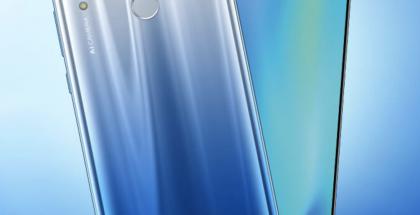 Honor 10 Lite tulee myyntiin muun muassa Sky Blue -liukuvärinä.