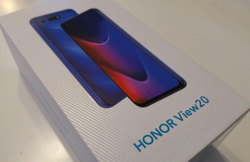 Honor View20:ssa on usempia teknisiä erikoisuuksia.