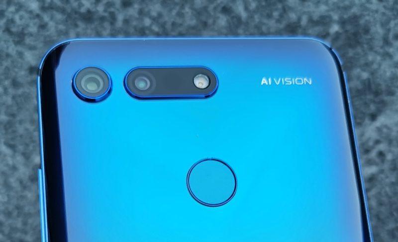 Honor View20:ssä yhdistyvät takana 48 megapikselin pääkamera ja 3D ToF -kamera.