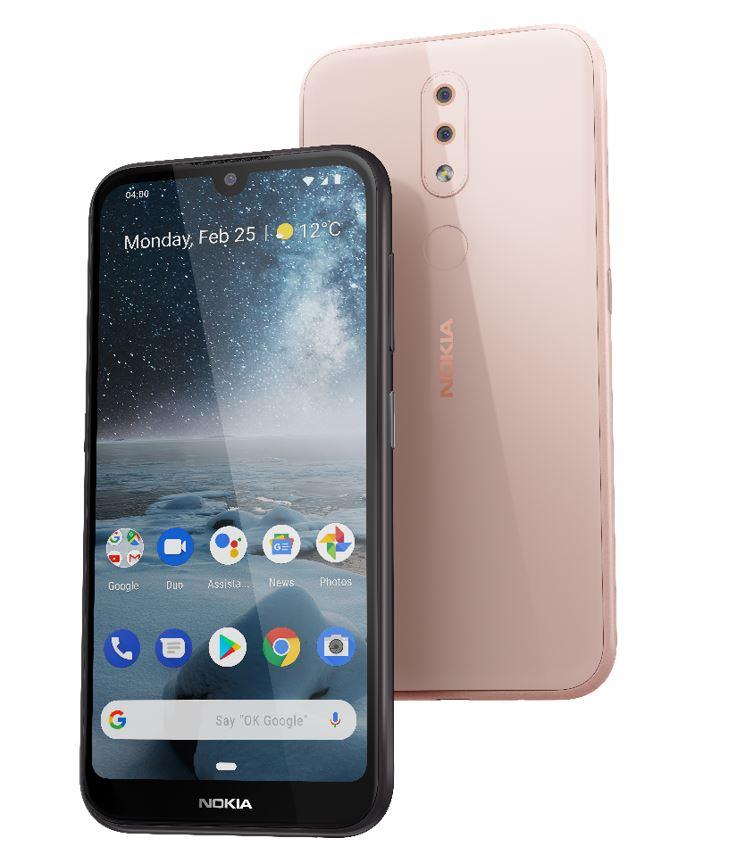Nokia 4.2 on Suomessa saatavilla kahdessa värissä, musta ja pinkki (Pink Sand).