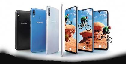 Samsungin Galaxy A -sarjan älypuhelintarjontaa.