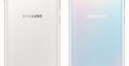 Galaxy S10+:n keraaminen Ceramic White ja lasipintainen Prism White. Kuva: Ishan Agarwal.