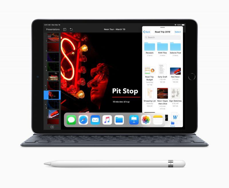 Uusi iPad Air, Apple Pencil ja Smart Keyboard -näppäimistö.