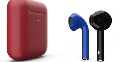 ColorWare myy eri värisiä AirPods-kuulokkeita.