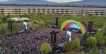Vuosi sitten Apple järjesti henkilöstölle suuret juhlat Apple Park -pääkonttorillaan.