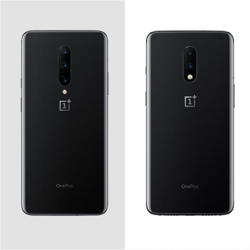 OnePlus 7 Prossa kolme takakameraa, OnePlus 7:ssä kaksi (puhelinten koko kuvassa ei vertailukelpoinen).