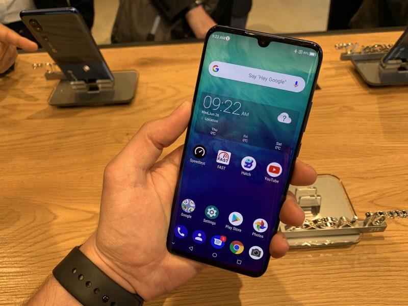 ZTE Axon 10 Pro 5G on markkinoiden ensimmäinen 5G-älypuhelin Suomessa.