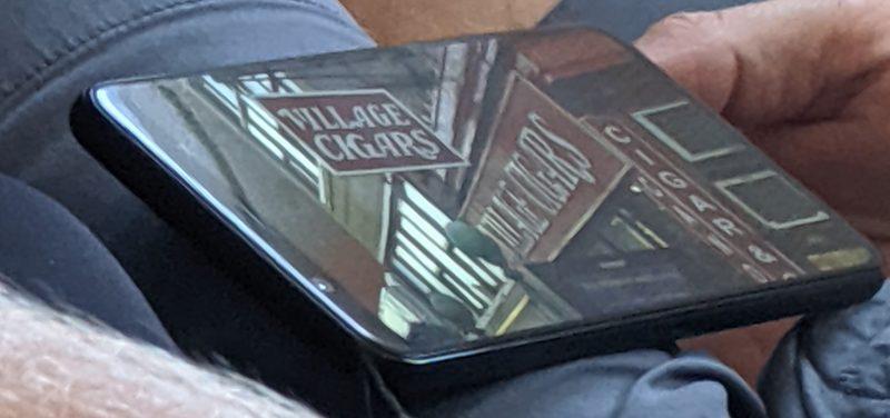 Väitetty Pixel 4 -sarjan puhelin lentokoneessa bongattuna. Kuva: The Teen Tech.
