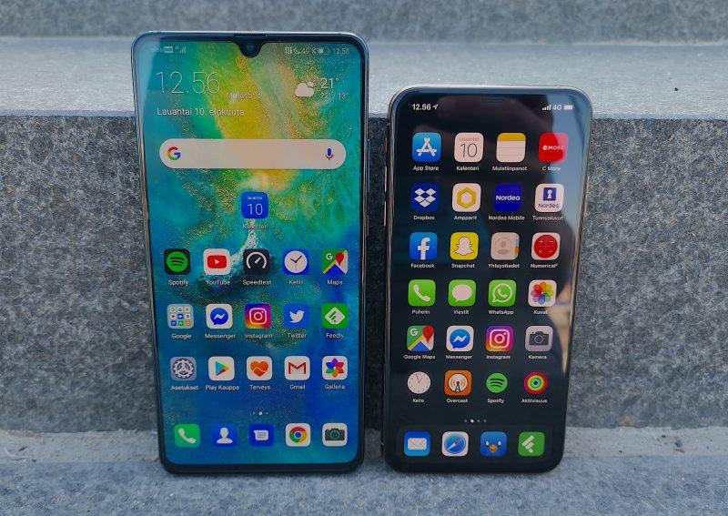 6,5 tuuman iPhone XS Max näyttää pieneltä 7,2 tuuman Mate 20 X 5G:n rinnalla.