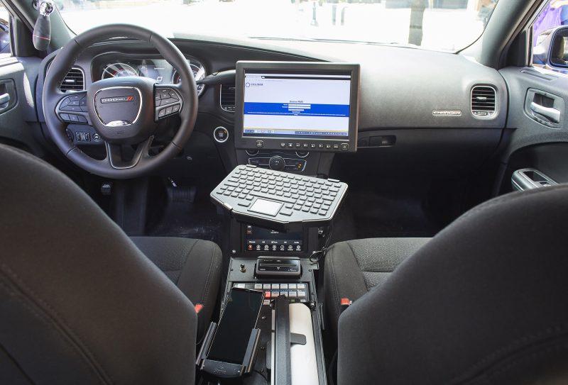 Samsungin DeX-tilan avulla älypuhelin toimii myös työpöytänäkymän kera yhdessä näytön ja näppäimistön kanssa.