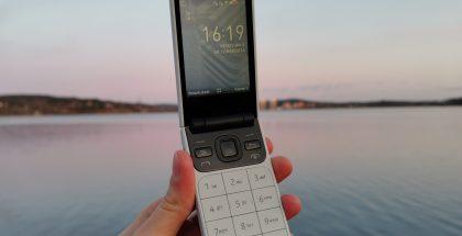 Nokia 2720 Flip.
