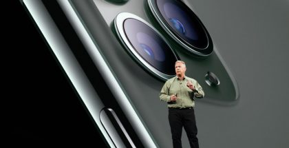 Applen markkinointijohtaja Phil Schiller esittelemässä uusia iPhone 11 Pro -malleja aiemmin tänä vuonna.