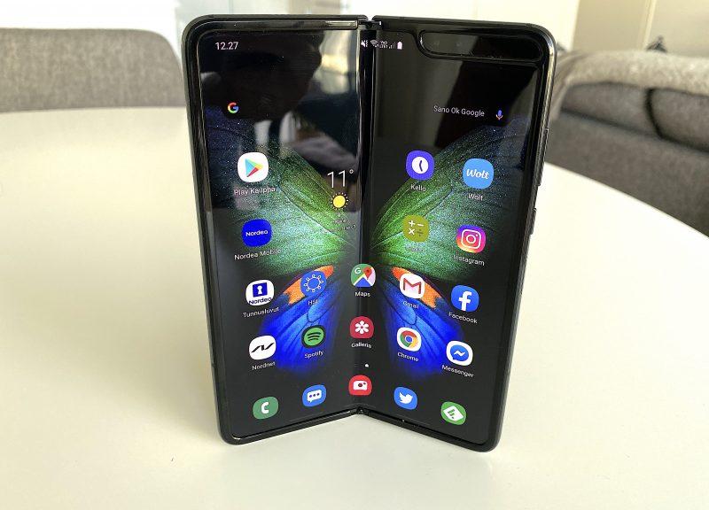 Samsung Galaxy Fold ehti markinoille ensimmäisenä taittuvanäyttöisenä älypuhelimena Suomessa.