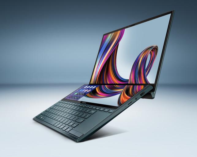 Asus ZenBook Duossa on kaksi näyttöä: 16:9-kuvasuhteen päänäyttö ja 32:9-kuvasuhteen kakkosnäyttö näppäimistön yläpuolella.