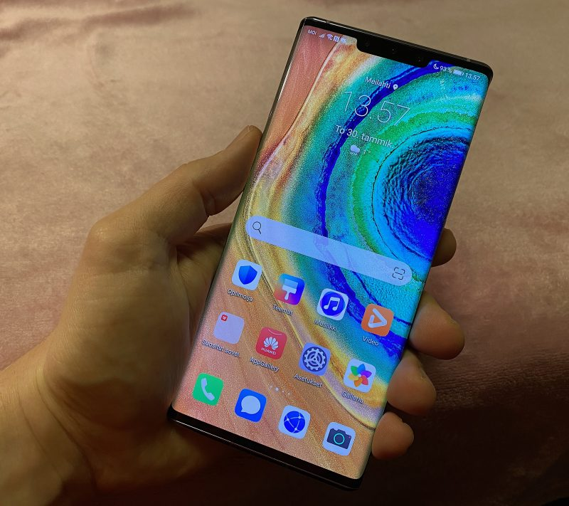 Huawei Mate 30 Prossa on 6,53 tuuman Horizon Display OLED -näyttö.