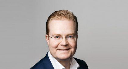 Nokian Matkapuhelinverkot-liiketoimintaryhmän johtaja Tommi Uitto.