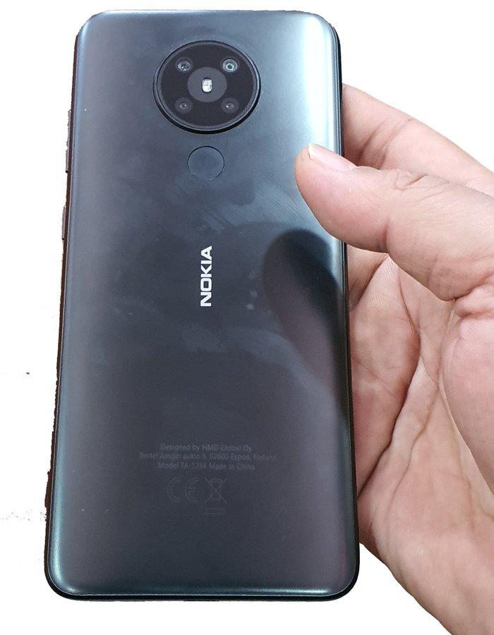 Uusi Nokia-älypuhelin neljällä takakameralla. Kuva: Evan Blass.