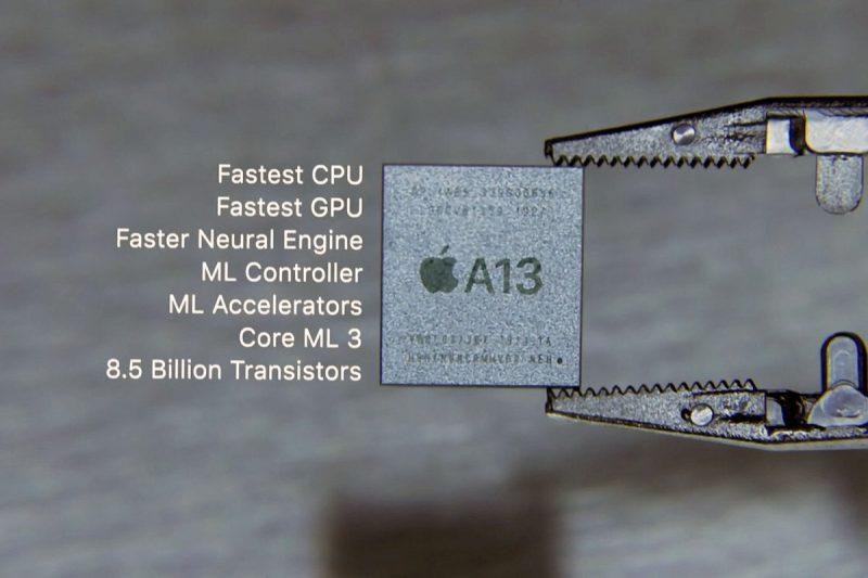 Apple on käyttänyt omia järjestelmäpiirejä älypuhelimissaan jo iPhone 4:stä asti. Nykyisin Applen järjestelmäpiirit ovat markkinoiden selvästi tehokkaimpia.