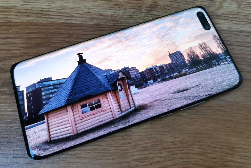 Huawei P40 Pron näyttö on ensiluokkainen.