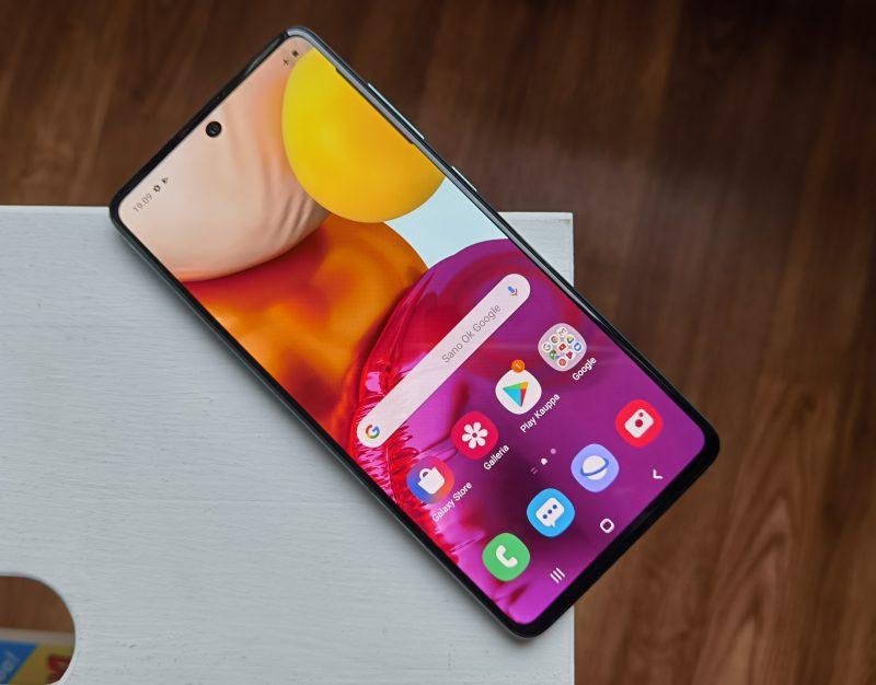 Näyttö on Galaxy A71:ssä tasokasta Samsung-laatua.