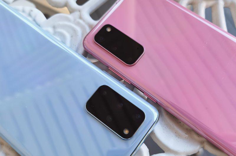 Galaxy S20 -malleista on saatavilla myös pirteitä värejä. Laatutuntuma on erinomainen.