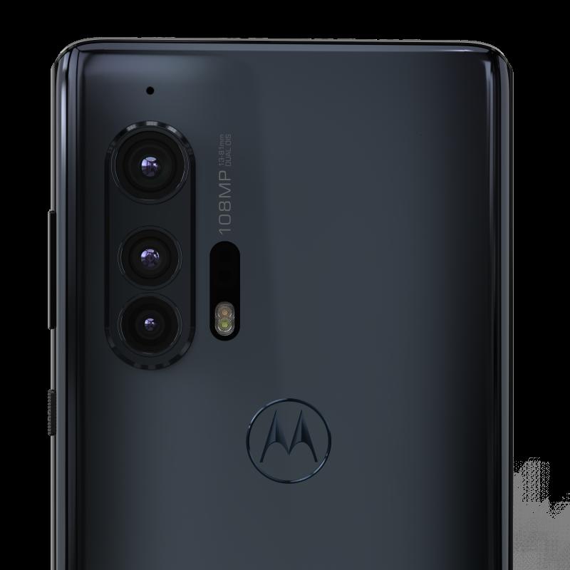 Motorola edge+ on varustettu 108 megapikselin pääkameralla, 16 megapikselin ultralaajakulmakameralla sekä 8 megapikselin 3x-telekameralla.