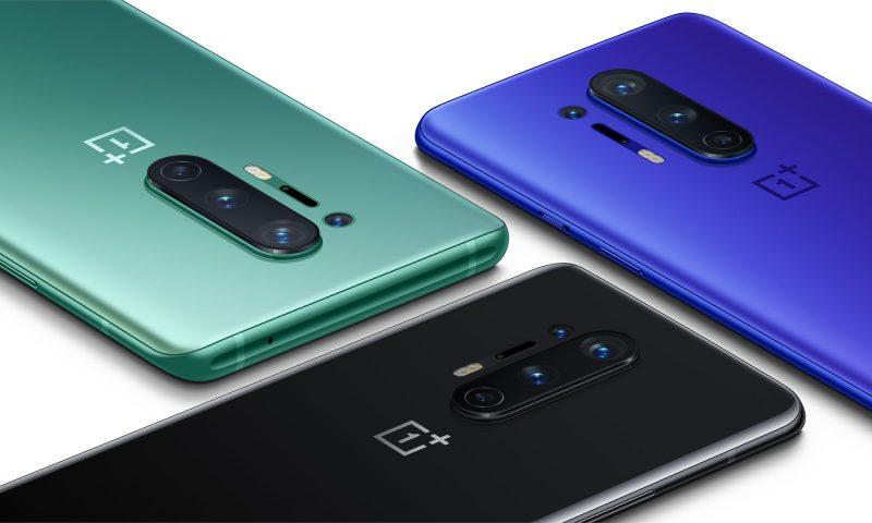 OnePlus 8 Pro eri väreissä.