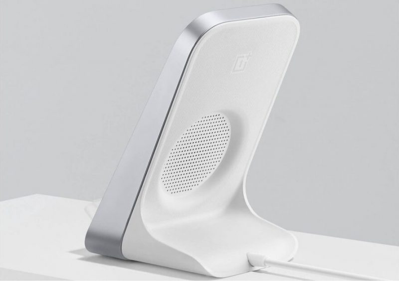 OnePlussan Warp Charge 30 Wireless Charger -laturi. Kuva: evleaks / Evan Blass.