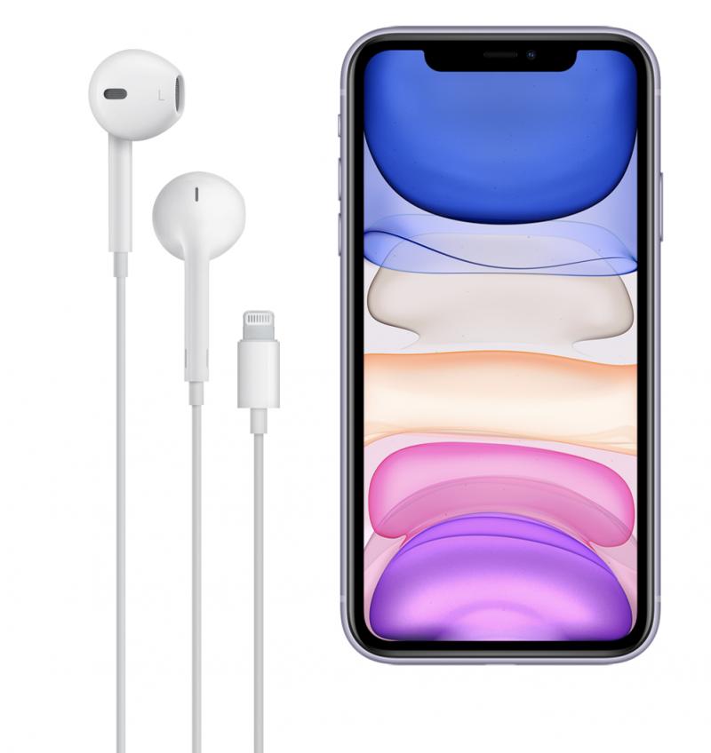 Vielä nykyisin kaikkien iPhone-mallien, kuten kuvan iPhone 11:n, mukana toimitetaan EarPods-kuulokkeet Lightning-liittimellä.